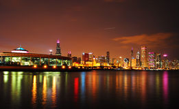 芝加哥在晚上 图库摄影
