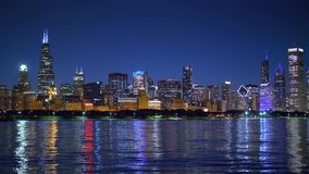 芝加哥地平线在晚上 股票录像