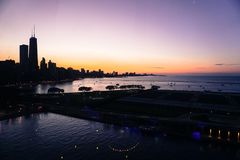 芝加哥地平线-海军码头 免版税图库摄影