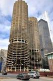 芝加哥小游艇船坞城市双塔 免版税库存图片