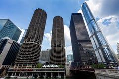 芝加哥小游艇船坞城市复合体和现代大厦 免版税图库摄影