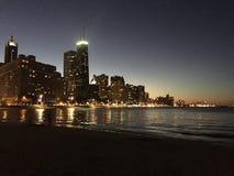 芝加哥晚上 库存照片