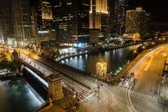 芝加哥桥梁长的曝光在晚上 库存图片