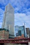 芝加哥芝加哥河大厦和桥梁  免版税图库摄影