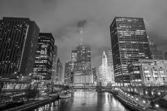芝加哥街市和芝加哥河 图库摄影