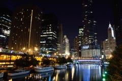 芝加哥街市晚上 免版税库存照片