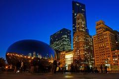芝加哥豆在晚上,美国 免版税库存照片