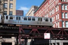 芝加哥通勤者el顶上的培训 库存图片