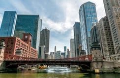 芝加哥都市风景看法从芝加哥河,美国的 免版税库存照片