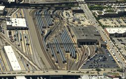 芝加哥,美国- 2018年6月04日:在BNSF铁路Yard/M的火车 免版税库存照片