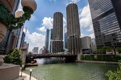 芝加哥,著名小游艇船坞城市塔 库存照片