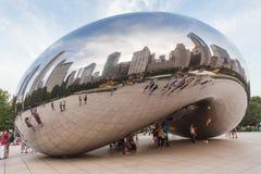 芝加哥, IL/USA -大约2015年7月:千禧公园的云门在芝加哥,伊利诺伊 图库摄影