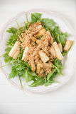 芝麻菜沙拉用芦笋 库存图片