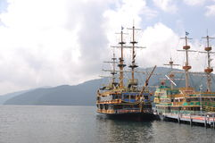 芦之湖的海盗 库存图片
