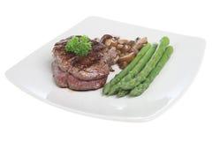 芦笋正餐里脊肉牛排 免版税库存照片