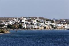 芦粟海岛,基克拉泽斯,希腊美丽如画的镇  免版税库存图片