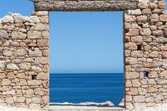 芦粟海岛,基克拉泽斯,希腊美丽如画的镇  免版税图库摄影