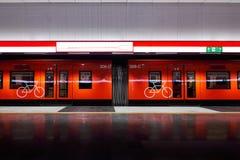 芬兰,赫尔辛基地铁,火车M300 免版税图库摄影