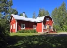芬兰, Savonia/库奥皮奥:芬兰建筑学-历史的农场/主楼(1860) 免版税库存图片