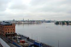 芬兰 芬兰湾的海岸 沿海斯堪的纳维亚城市的全景 库存图片