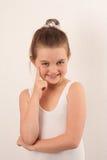 芭蕾照相机逗人喜爱的舞蹈演员微笑&# 免版税库存照片