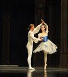 芭蕾用脚尖踢第二个行动第二领域糖果王国-芭蕾胡桃钳 库存照片
