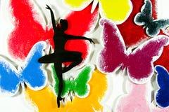 芭蕾舞女演员和五颜六色的蝴蝶 免版税库存图片