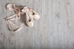 芭蕾舞女演员鞋子 库存图片