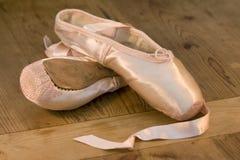 芭蕾舞鞋 免版税库存图片