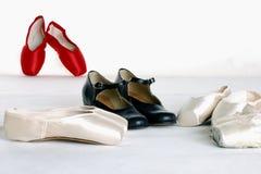 芭蕾黑色pointe鞋子 免版税库存图片