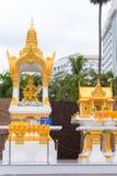 芭达亚,泰国- 2017年1月7日:美丽的金黄Brahma雕象 复制文本的空间 免版税库存图片