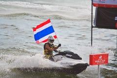 芭达亚, THAILAND-DECEMBER 9 :在喷气机滑雪泰王杯世界杯格兰披治的竞争者2012年 免版税图库摄影