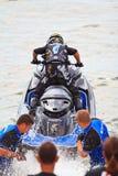 芭达亚, THAILAND-DECEMBER 9 :在喷气机滑雪泰王杯世界杯格兰披治的竞争者2012年 库存照片