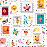 花、鸟、蘑菇&蜗牛逗人喜爱的字符自然样式 免版税图库摄影