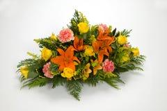 花五颜六色的花束  免版税库存照片