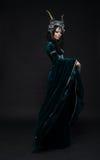 花冠的美丽的幻想矮子妇女 免版税图库摄影