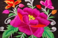 花卉一幅传统手刺绣 图库摄影