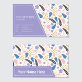 花卉名片模板有桃红色和紫色花背景 免版税库存图片