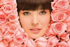 花卉女孩。 免版税库存照片