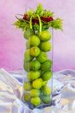 花卉艺术-柠檬花瓶 库存照片