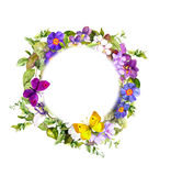 花卉花圈-草甸开花,野草,春天蝴蝶 水彩 图库摄影