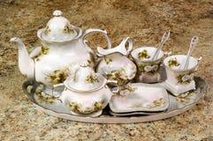 花卉茶具 免版税库存图片