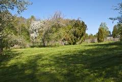 花园豪宅可以红色 免版税图库摄影