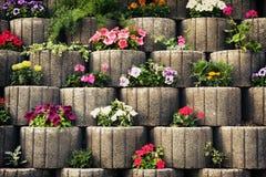 花圃石墙 免版税库存照片