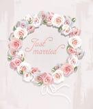 花圈由玫瑰做成 免版税库存图片
