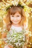 花圈的美丽的女孩 免版税库存图片