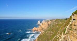 花岗岩冰砾和海峭壁-海角Roca 图库摄影