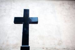 黑花岗岩十字架 库存照片