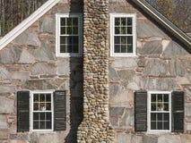 花岗岩和石头议院山墙 免版税库存照片