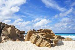 花岗岩在塞舌尔群岛晃动靠岸,小的anse, la digue 3 免版税库存图片